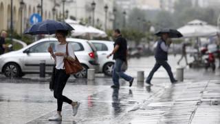 Καιρός: Πτώση της θερμοκρασίας με βροχές, καταιγίδες και χαλάζι σήμερα