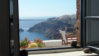 «Tο ελληνικό κρασί είναι ήδη παγωμένο!»: Αφιέρωμα της Bild για τον τουρισμό στην Ελλάδα