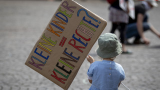 Κορωνοϊός: Η πανδημία πλήττει σοβαρά τα δικαιώματα των παιδιών