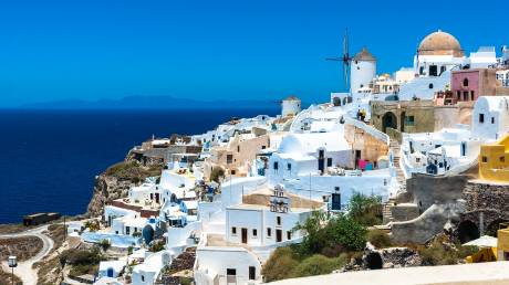 Η επανεκκίνηση στον Τουρισμό: «Ψηλά» η Ελλάδα στις προτιμήσεις των ξένων πελατών