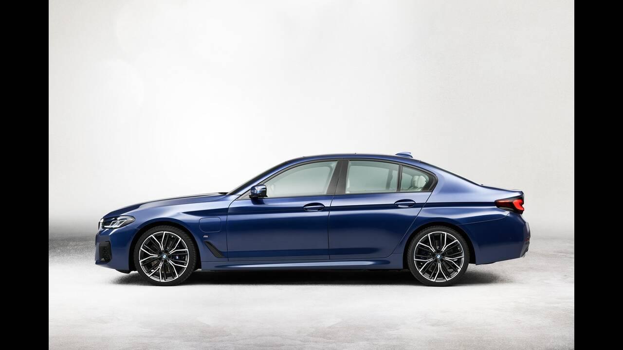 https://cdn.cnngreece.gr/media/news/2020/05/27/220934/photos/snapshot/BMW-5-2020-15.jpg