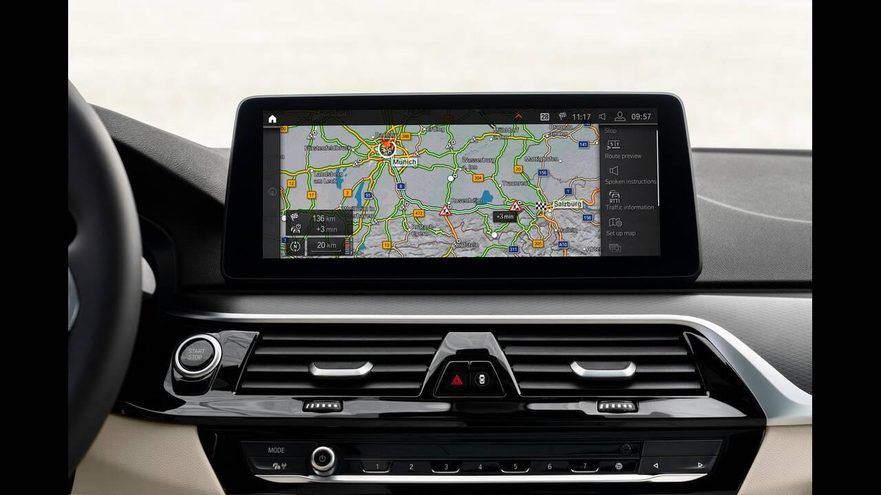 https://cdn.cnngreece.gr/media/news/2020/05/27/220934/photos/snapshot/BMW-5-2020-24.jpg