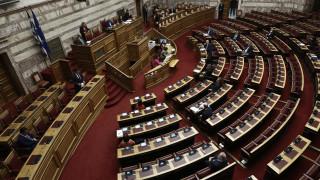 Αντιπαράθεση για μήνυση κατά βουλευτών του ΣΥΡΙΖΑ και την ψήφο τους στη Συμφωνία των Πρεσπών