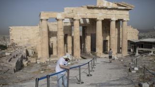 Daily Telegraph: Πώς η Ελλάδα κινήθηκε νωρίς και αποφασιστικά για να κρατήσει εκτός την Covid-19