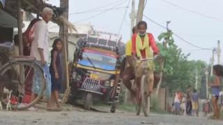 Ινδία: 15χρονη μετέφερε στο νοσοκομείο τον πατέρα της με το ποδήλατο διανύοντας 1.200 χλμ