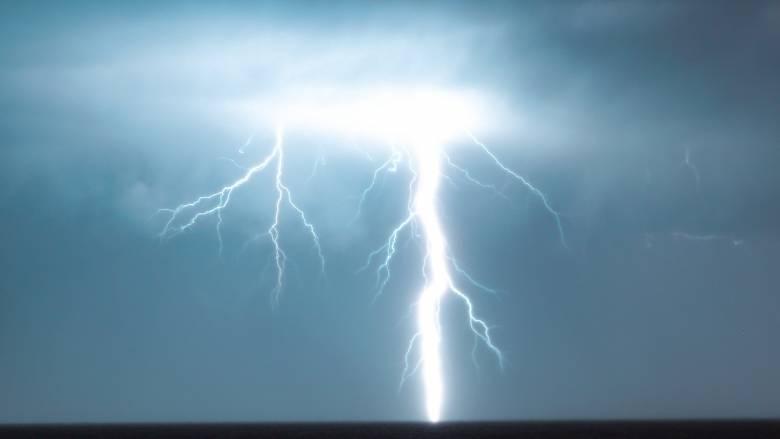 Σκόπελος: «Δέκα μέτρα πριν φτάσουμε σπίτι, την χτύπησε ο κεραυνός», λέει ο σύζυγος της 53χρονης
