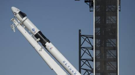 SpaceX: Ο καιρός χάλασε τα σχέδια για την ιστορική επανδρωμένη αποστολή