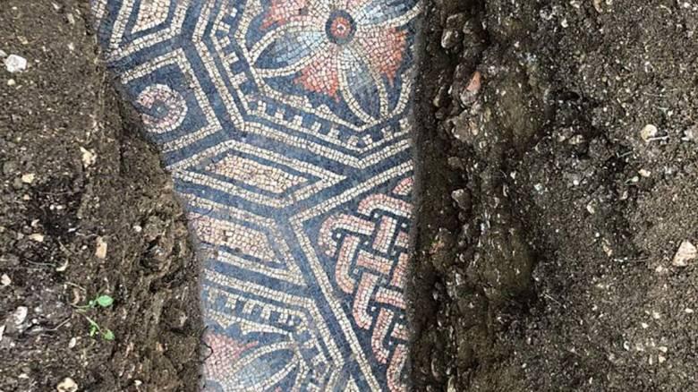 Ιταλία: Άριστα διατηρημένο αρχαίο ρωμαϊκό μωσαϊκό ανακαλύφθηκε σε αμπελώνα