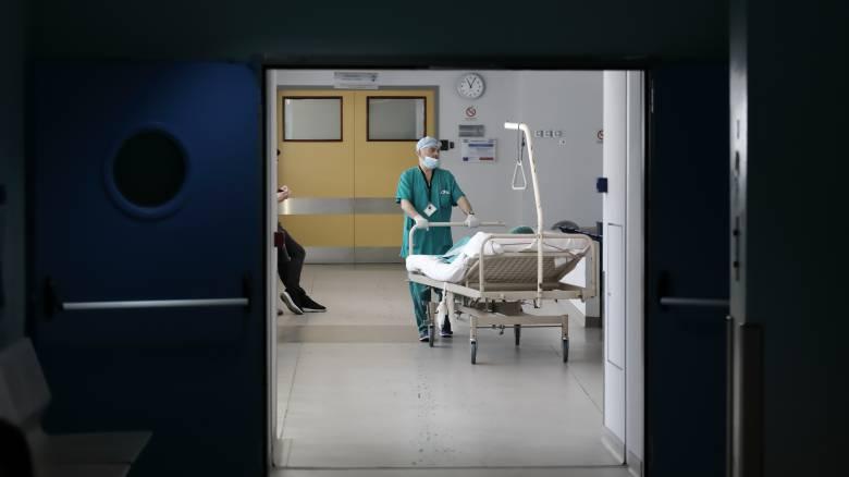 Κορωνοϊός: Στους 175 οι νεκροί - Μόλις τρία νέα κρούσματα, 2.906 συνολικά