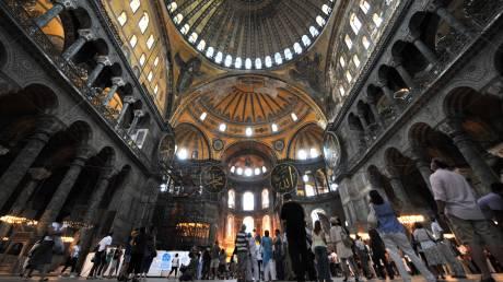 Πρόκληση Ερντογάν: Προσευχή στην Αγία Σοφία για την Άλωση της Πόλης