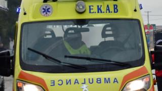 Τροχαίο ατύχημα στη Θεσσαλονίκη  - Ι.Χ. έπεσε σε φανάρι