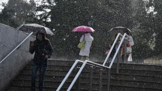 Βροχερός και το Σάββατο ο καιρός - Μικρή άνοδος της θερμοκρασίας