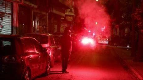 Επεισόδια στα Εξάρχεια με πέτρες και άλλα αντικείμενα κατά αστυνομικών