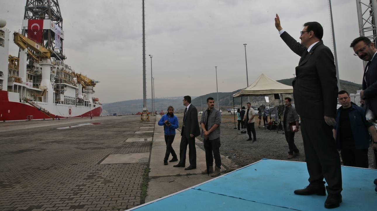 Τούρκος υπουργός Ενέργειας: Στέλνουμε και δεύτερο γεωτρύπανο στη Μεσόγειο