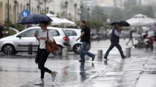 Καιρός: Πού αναμένονται βροχές σήμερα - Πώς θα κυμανθεί η θερμοκρασία