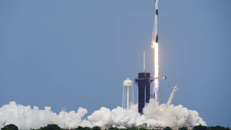 H Space Χ γράφει ιστορία: Εκτοξεύτηκε η επανδρωμένη αποστολή προς τον Διεθνή Διαστημικό Σταθμό