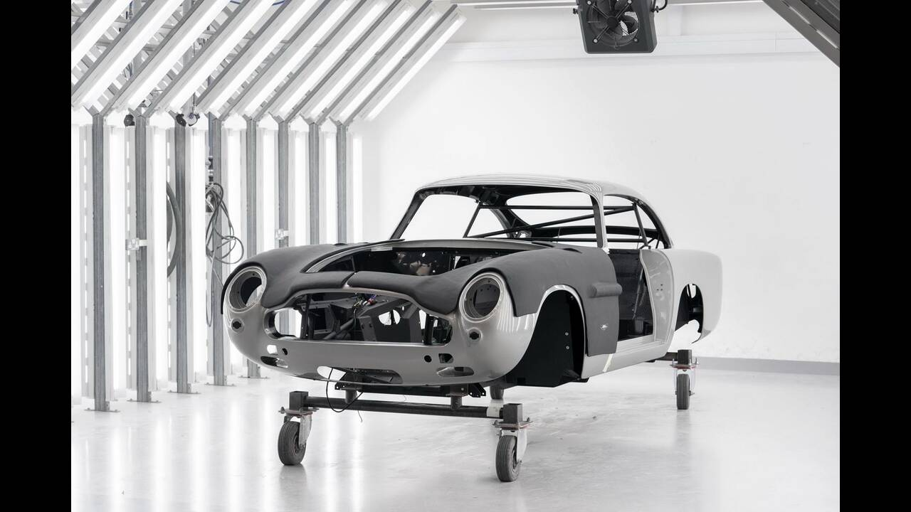 https://cdn.cnngreece.gr/media/news/2020/05/31/221444/photos/snapshot/ASTON-MARTIN-DB5-JAMES-BOND-5.jpg