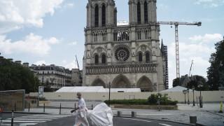 Γαλλία: Άνοιξε για το κοινό ο προαύλιος χώρος της Νοτρ Νταμ για πρώτη φορά μετά την πυρκαγιά