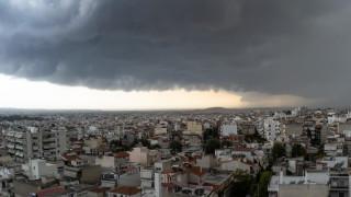 Έκτακτο δελτίο επιδείνωσης καιρού: Βροχές, καταιγίδες και χαλάζι ως την Τρίτη