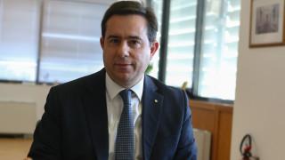 Μηταράκης στο CNN Greece: Με έλεγχο η πρόσβαση στη δομή της Μαλακάσας, θα μειωθούν οι διαμένοντες