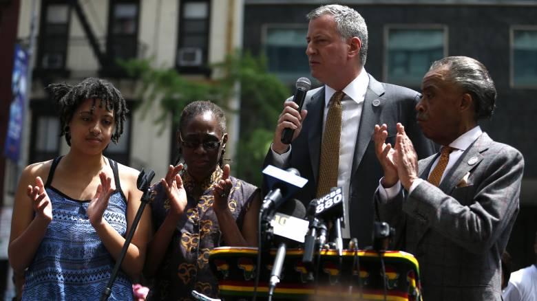 Δολοφονία Τζορτζ Φλόιντ: Συνελήφθη σε διαδήλωση η κόρη του δημάρχου της Νέας Υόρκης