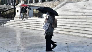 Καιρός: Βροχές και καταιγίδες και την Τρίτη - Πού θα «χτυπήσουν»