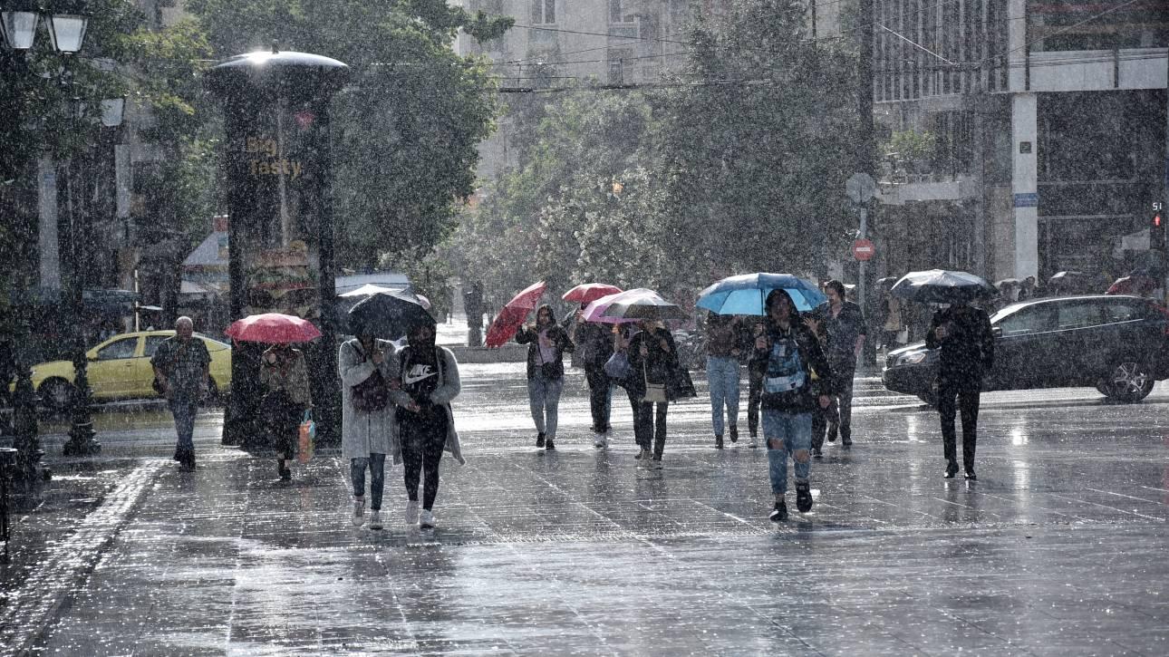 Καιρός: Βροχές και καταιγίδες και σήμερα - Πού θα «χτυπήσουν»