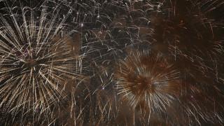 Κορωνοϊός – Ιαπωνία: Δεκάδες πυροτεχνήματα «ξόρκισαν» την πανδημία