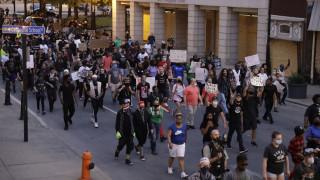 Αναβρασμός στο Κεντάκι: Νεκρός μαύρος ιδιοκτήτης εστιατορίου από αστυνομικά πυρά