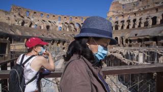 Ιταλία: Ανοίγουν ξανά οι αρχαιολογικοί χώροι και τα μουσεία - Μάσκες, ουρές και ελάχιστοι επισκέπτες