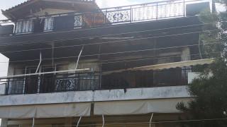 Τραγωδία στη Βούλα: Μια νεκρή και δύο τραυματίες μετά από φωτιά σε διαμέρισμα
