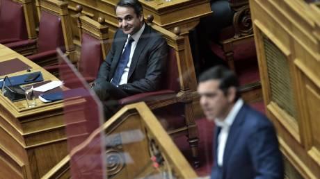 Αλλαγή πολιτικής με υιοθέτηση των μέτρων που προτείνει ο ΣΥΡΙΖΑ ζητά ο Τσίπρας από τον Μητσοτάκη