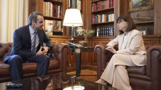Συνάντηση Μητσοτάκη - Σακελλαροπούλου την Τετάρτη