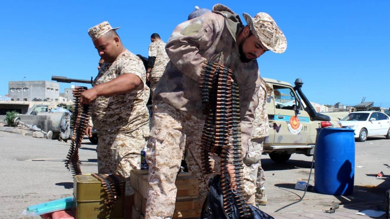 Λιβύη: Συμφωνία Χαφτάρ - Σάρατζ για συνομιλίες με στόχο την εκεχειρία