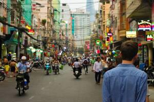 Χρόνια τώρα, η Ταϊλάνδη αποτελεί κορυφαίο ταξιδιωτικό προορισμό, συγκεντρώνοντας πέρυσι περίπου 40 εκατομμύρια τουρίστες.  Ωστόσο, η χώρα έχει να δεχτεί επισκέπτες από το εξωτερικό από τον Μάρτιο, όταν ξεκίνησε η πανδημία και παρά τον σχετικά μικρό αριθμό