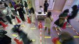 Κορωνοϊός: Τσαγκάρης βρήκε μία... αλλόκοτη λύση για την τήρηση των αποστάσεων