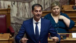 Αντιπαράθεση κυβέρνησης-ΣΥΡΙΖΑ για τον τουρισμό και τον Θεοχάρη