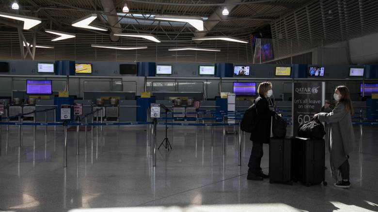 Κορωνοϊός: Αναστέλλονται οι πτήσεις από το Κατάρ – Σε καραντίνα 91 επιβαίνοντες πτήσης από την Ντόχα