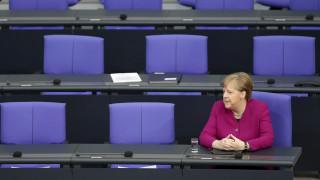 Κορωνοϊός - Γερμανία: Εν αναμονή των αποφάσεων για ταξιδιωτικές οδηγίες και πακέτο στήριξης