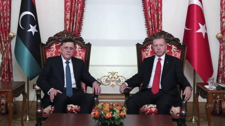Αιφνίδια επίσκεψη Σάρατζ στην Τουρκία για συνάντηση με τον Ερντογάν