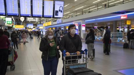 Η Ολλανδία θα χαλαρώσει τις προειδοποιήσεις για τα τουριστικά ταξίδια στην Ευρώπη