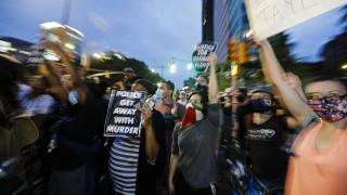 Δολοφονία Φλόιντ: Τι δείχνει το τελικό ιατρικό πόρισμα – Άλλαξε η κατηγορία κατά του αστυνομικού