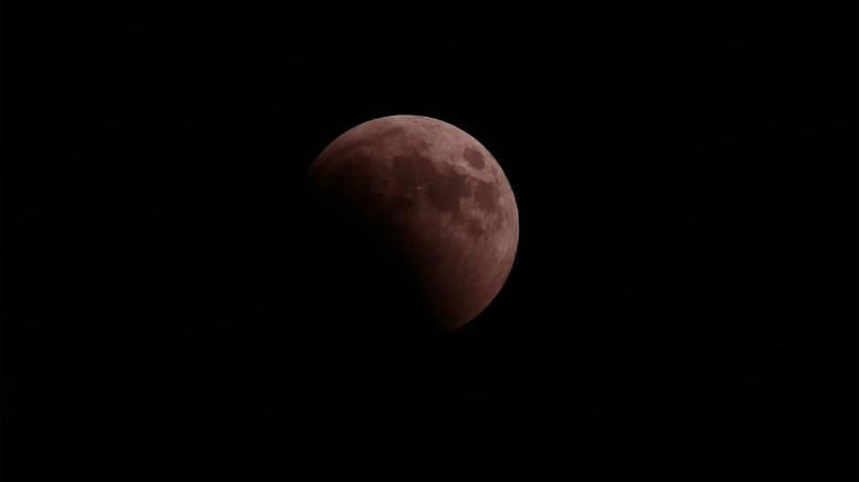 Πανσέληνος και έκλειψη παρασκιάς Σελήνης την Παρασκευή - Ορατή και από την Ελλάδα