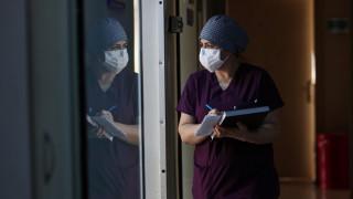 Κορωνοϊός: Απογοήτευσε κινεζική κλινική μελέτη για τη χορήγηση πλάσματος σε ασθενείς