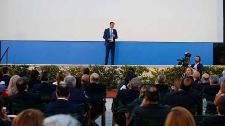 Θεοχάρης: Θέλουμε οι επισκέπτες μας να βιώσουν την Ελλάδα που ονειρεύονται