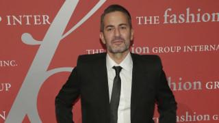 Marc Jacobs: Ένα σπασμένο τζάμι σ' ένα κατάστημα δεν είναι βία - Ο ρατσισμός είναι