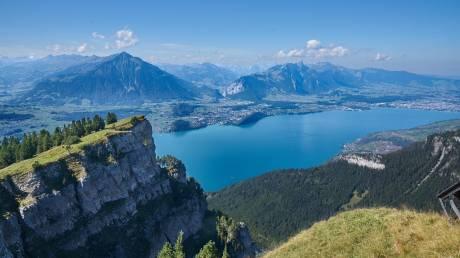 Ελβετία: Ταξίδι στη χώρα των πράσινων λιβαδιών, των λιμνών και των Άλπεων