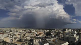 Καιρός: Έντονες βροχές και καταιγίδες σήμερα – Ποιες περιοχές πλήττονται