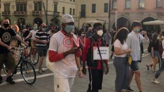 Δολοφονία Τζορτζ Φλόιντ: Εικόνες από πορεία στην Βενετία