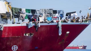 Η Μάλτα «υποχρεώθηκε» να επιτρέψει την αποβίβαση μεταναστών από ναυλωμένα σκάφη